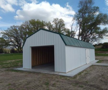 White lofted garage by Mid-America Structures