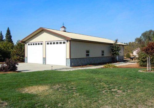 Garages--barns-044