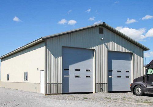 Garages--barns-092