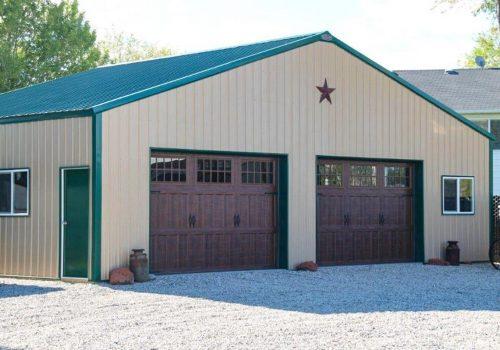 Garages--barns-102