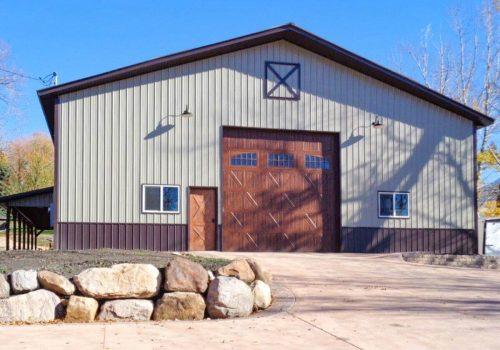 Garages--barns-126